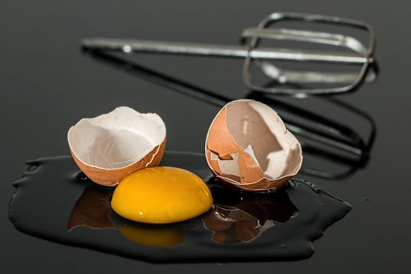 Egg Eggshell Broken Yolk Shell Yellow Egg Beater