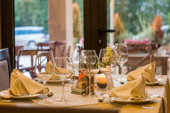 Restaurant Table Setting Table Glassware Stemware